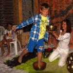 Zabawy w grocie solnej z misami